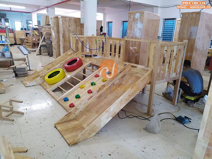 Sản xuất lắp đặt cầu trượt liên hoàn gỗ trong nhà cho khách tại Hà Nội-2