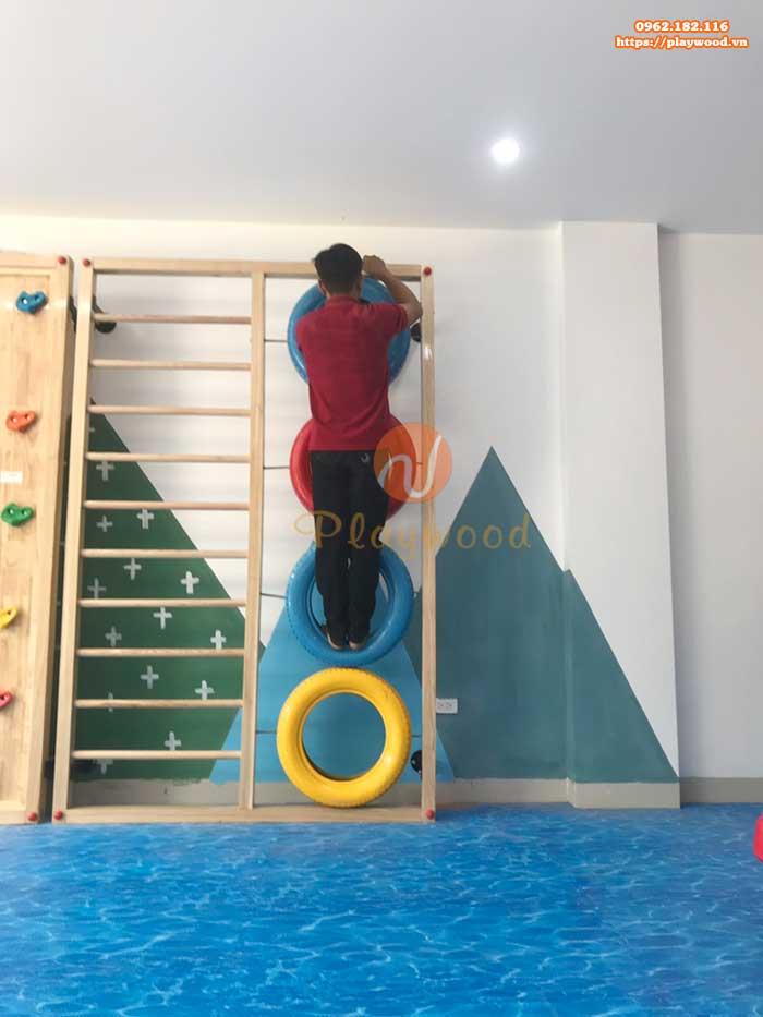 Sản xuất lắp đặt vách leo núi cho trường mầm non tại Hà Nội-5