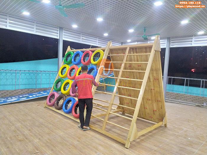 Sản xuất lắp đặt vách leo núi gỗ đa năng cho bé tại Hà Nội-2
