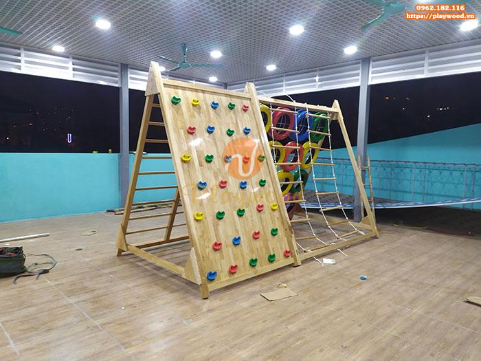 Sản xuất lắp đặt vách leo núi gỗ đa năng cho bé tại Hà Nội-3