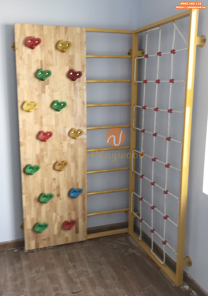 Sản xuất lắp đặt vách leo núi bằng gỗ cho khách hàng tại Hà Nội
