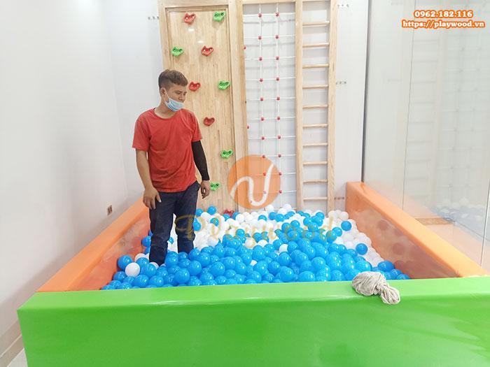 Sản xuất lắp đặt bộ vách leo núi kèm bể bóng cho khách hàng tại Dương Nội- Hà Nội
