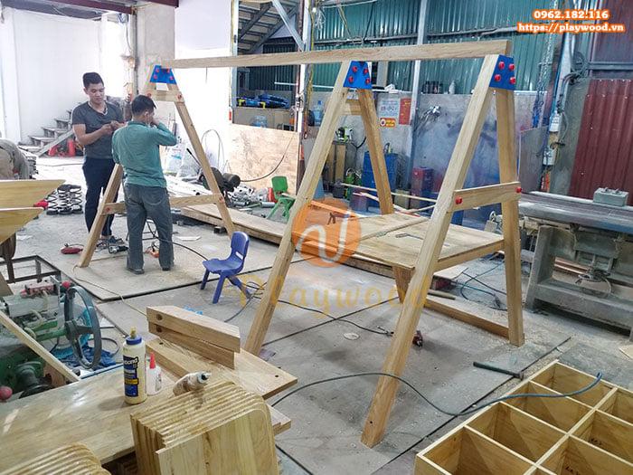 Thiết kế và sản xuất xích đu gỗ kèm cầu trượt cho Resort cao cấp tại Mai Châu- Hòa Bình
